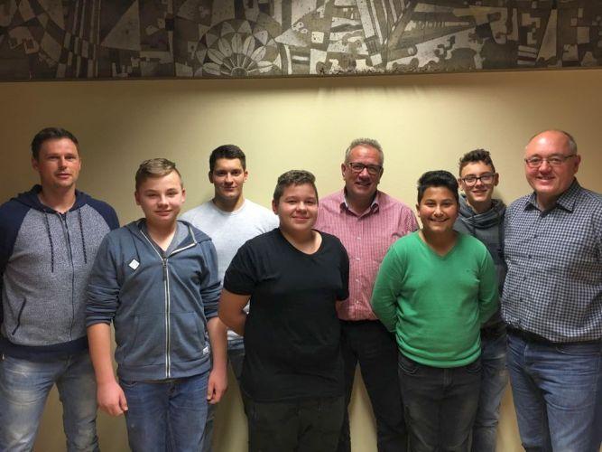 Fußball - Erfolgreicher Schiedsrichter-Anwärterlehrgang in Unna/Hamm