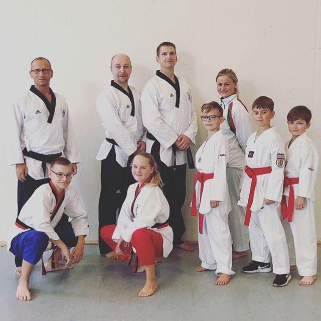Taekwondo - Poomsaeläufer trainieren auch Sonntags